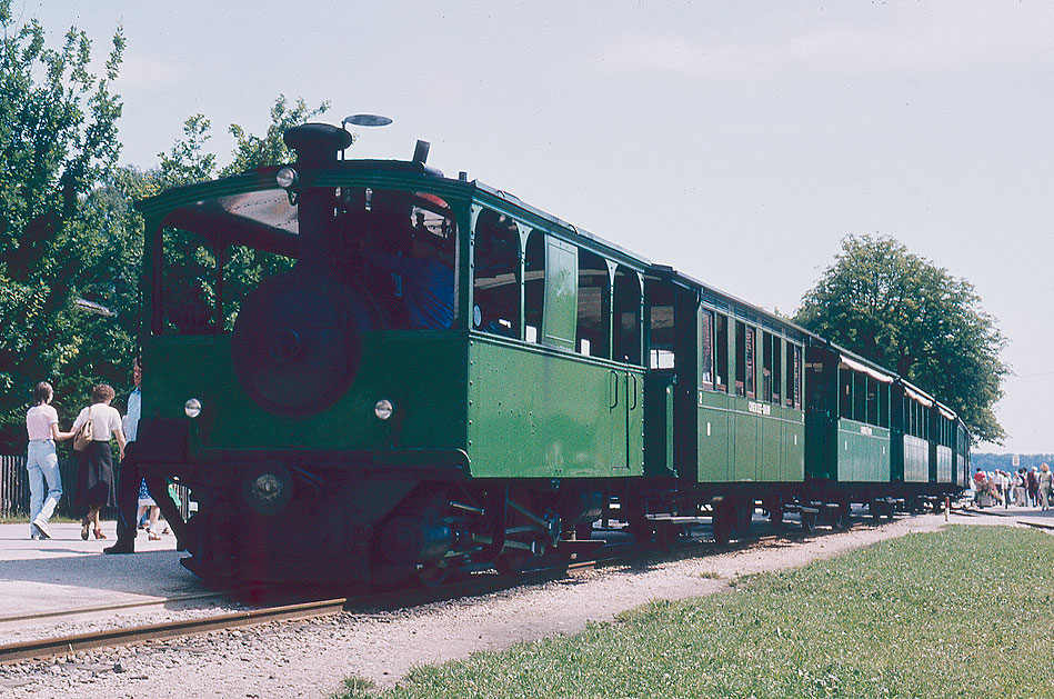Die Chiemseebahn in Prien Stock am Chiemsee